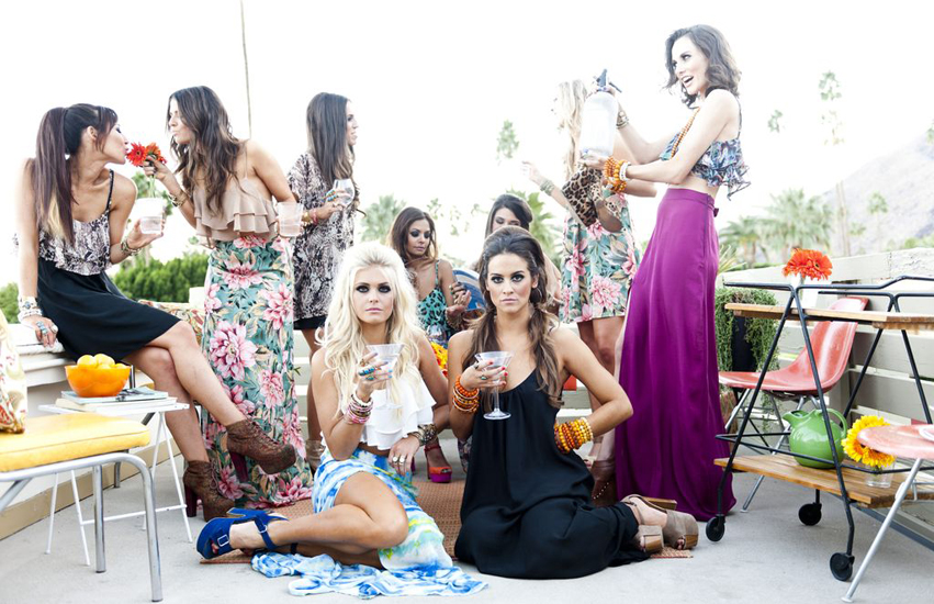 group of girls having a few beverages | Show Me Your MuMu